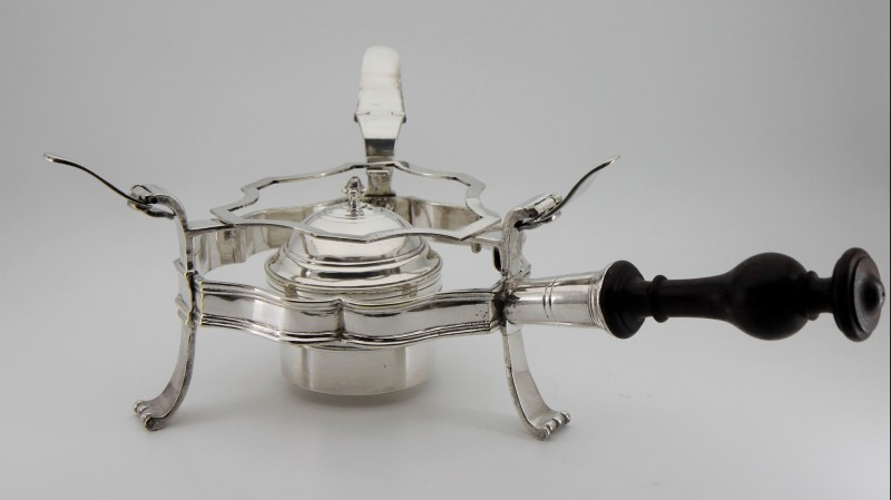 Réchaud de table, XVIIIe siècle - En alliage cuivreux argenté