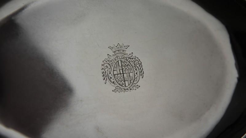 Présentoir de théière armorié - Papus & Dautun, Lausanne vers 1790