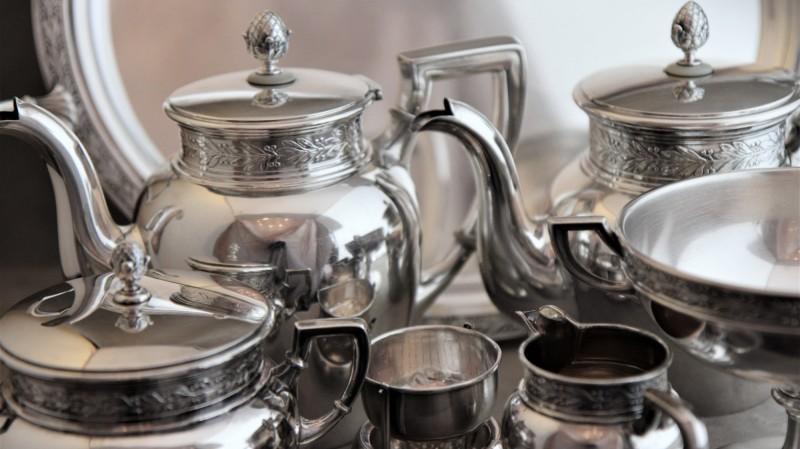 Service à thé & café en argent - Jezler, modèle Lauriers