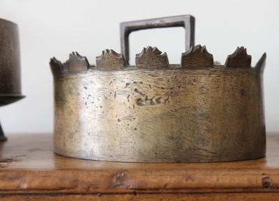 Daubière en bronze - Fin du XVIIe - début du XVIIIe
