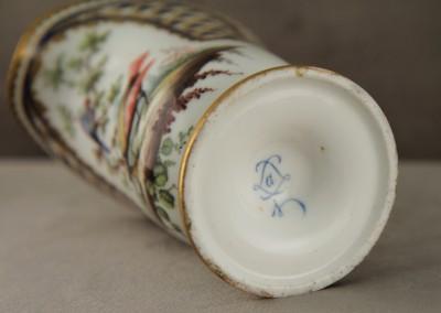 """Pot à lait """"étrusque"""", Sèvres - Surdécoré au XIXe siècle"""