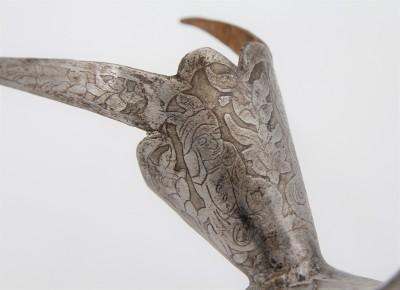 Paon & coq en acier gravé à l'eau-forte - Iran, dynastie Qājār, XIXe siècle