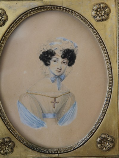 Portrait de jeune femme, vers 1835 - dans son cadre d'origine