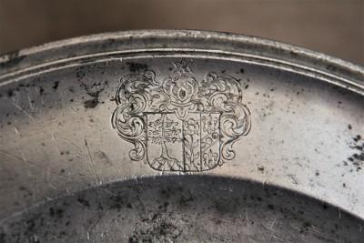 Plat en étain aux armes - Valais, première moitié du XVIIIe