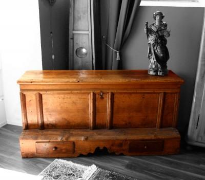 Rare coffre marchepied - Valais, XVIIIe siècle