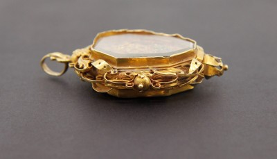Pendentif de dévotion en or - Portugal, 1ère moitié du XVIIIe siècle